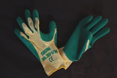 Sturdy Green Gardening Gloves - medium image 1