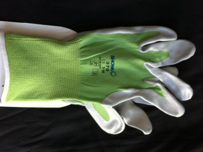 Thin Green Gardening Gloves - medium image 1